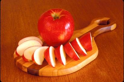 Sliced Honeycrisp apples