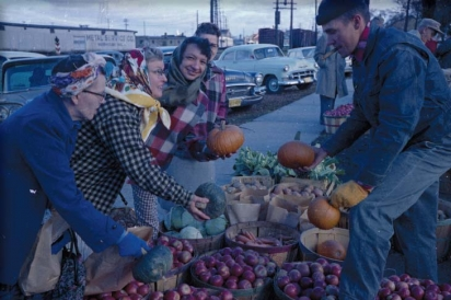 A classic fall shot of the Green Bay Farmers Market in 1961 © Neville Public Museum of Brown County