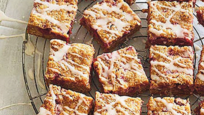 cherry de-lite crumb bars
